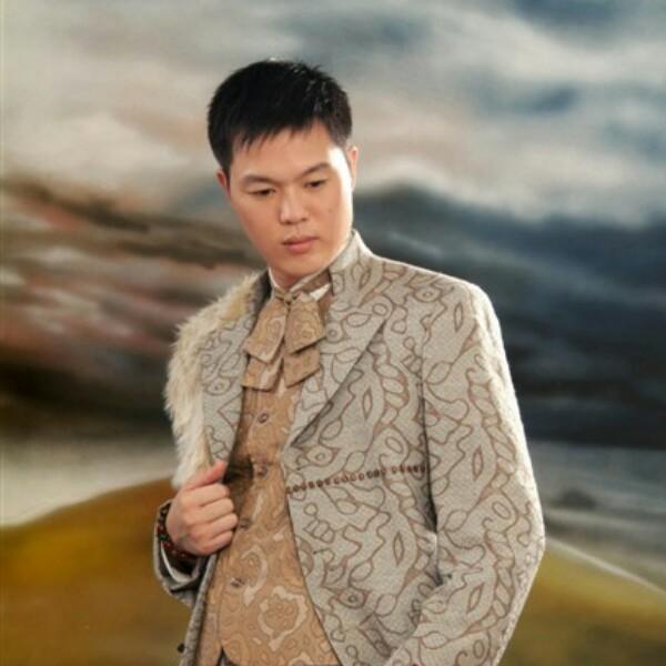 杨清龙 最新采购和商业信息