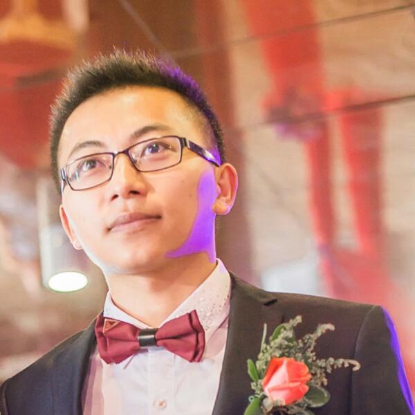 黄新东 最新采购和商业信息