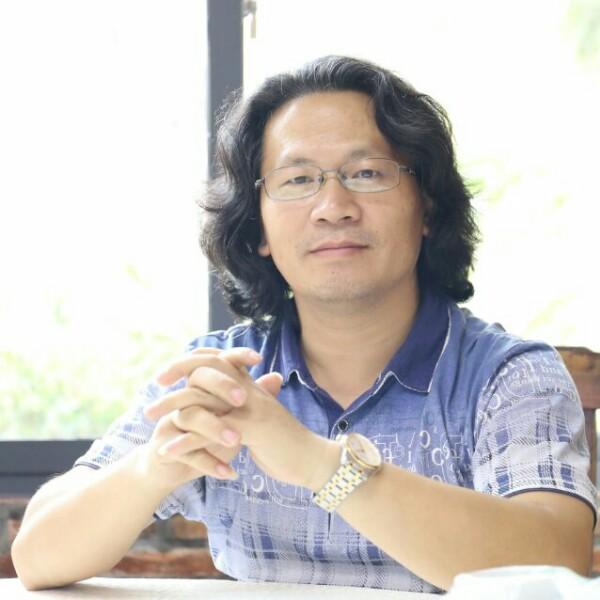 龙显鑫 最新采购和商业信息