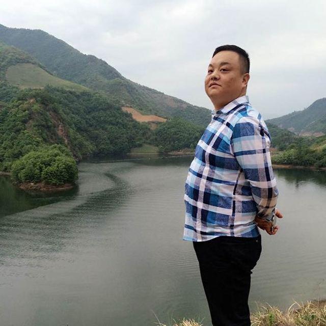 张华 最新采购和商业信息