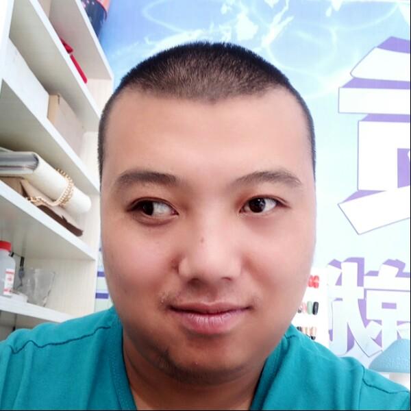 黄博龙 最新采购和商业信息