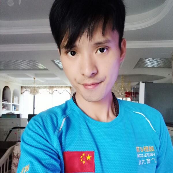 钟翔 最新采购和商业信息