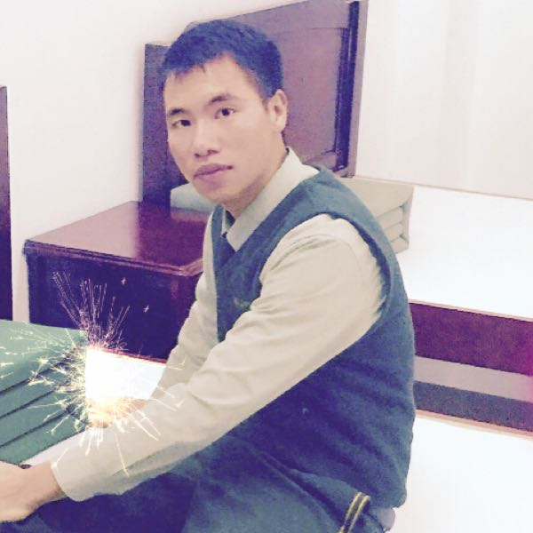 来自王*发布的供应信息:本公司专业生产箱包皮具,女包,男包,双肩... - 广州曼王皮具有限公司