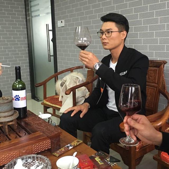 吴悦兴 最新采购和商业信息
