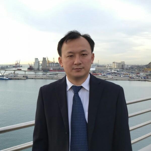 余鑫 最新采购和商业信息